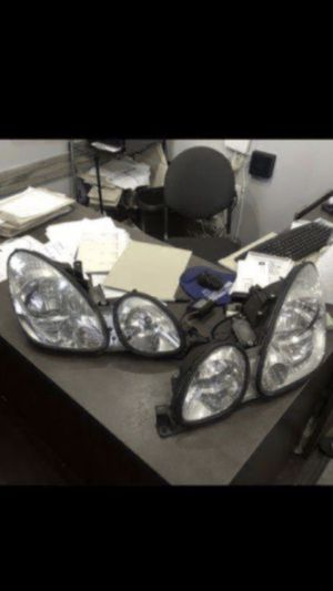 Head light for a Lexzu Gs with H.i.D for Sale in Tampa, FL