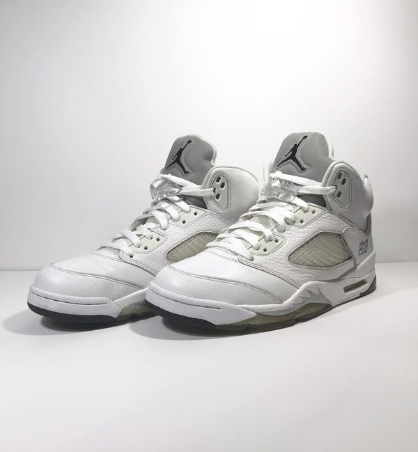 pretty nice 35410 deeb5 MENS NIKE AIR JORDAN V 5 RETRO for Sale in Whitewater, WI - OfferUp