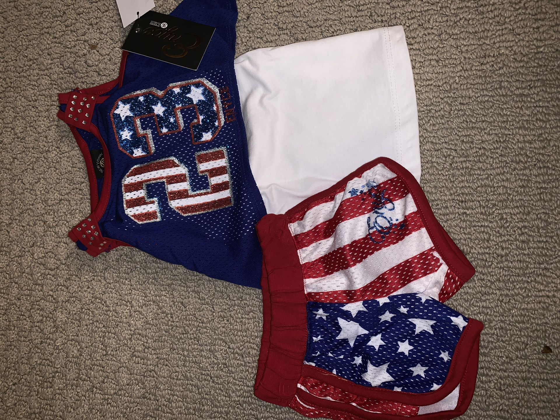 New 2 piece infant Enyce short set size 3-6 months. With tags