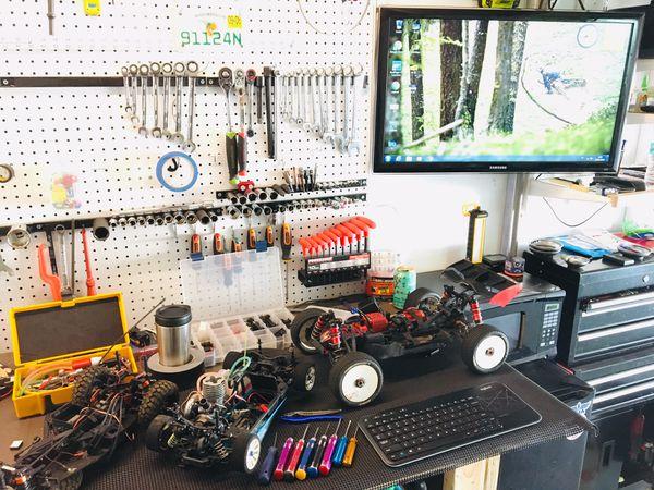 rc car truck repair - drone - traxxas traxxas , hpi, losi  repair any rc  cars or trucks, gas or electric  pompano beach