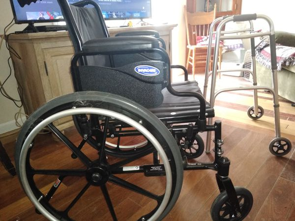 Invacare wheelchair and walker for Sale in Whiteland, IN - OfferUp