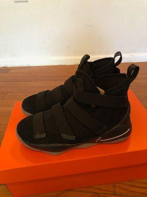Nike lebron soldier shoes gradeschool boy sz6.5 black/gum for Sale in Silver Spring, MD