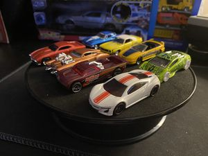 Photo Hot Wheels & Johnny Lightening 8 pack track, sports cars and real race winners opened only for one race on the new HW 6 lane 8 ft race track. Mint c