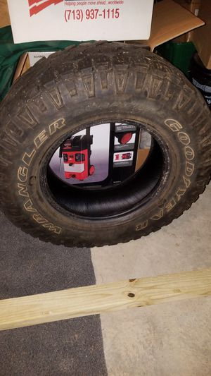 LT245 x75 R16 only 1 tire for Sale in Harpers Ferry, WV