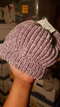 $5 Scarf & hat / beanie NEW purple size small or kids (it fit me tight/small & im a small/medium) Thumbnail