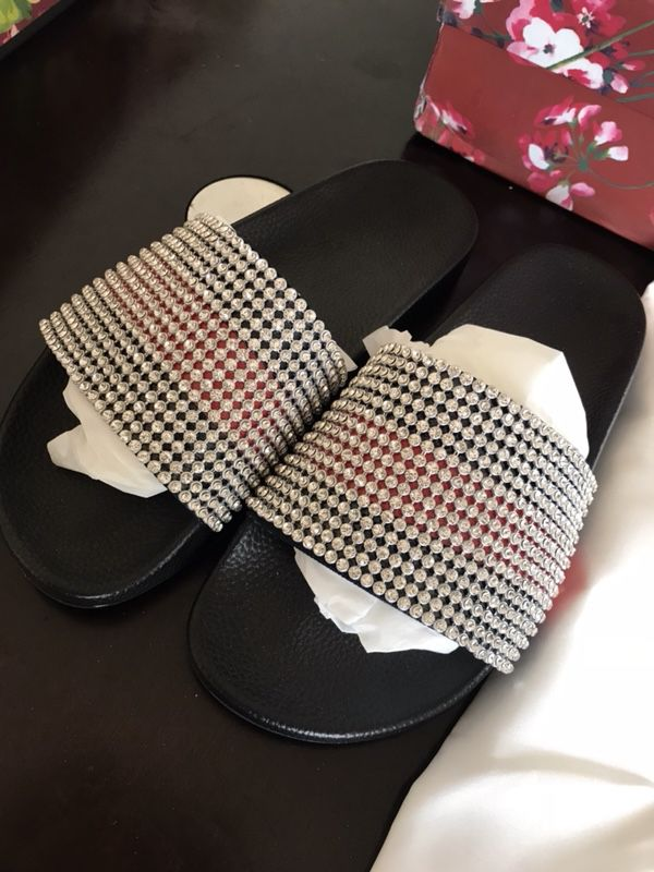 8d5ca97ea71 Gucci web slide with crystals for Sale in San Leandro