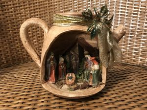Porcelain Nativity made by hand in Costa Rica / Natividad de barro hecho a mano en Costa Rica. for Sale in Darnestown, MD