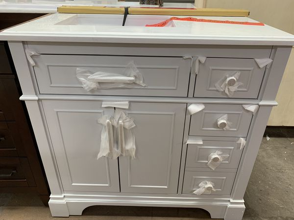 "36"" Bathroom vanity for Sale in North Fort Myers, FL - OfferUp"