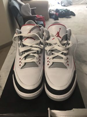 Fire red 3s sz9.5 for Sale in Oxon Hill, MD