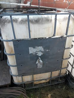 Water tanks for mobile carwash or what ever its use for Thumbnail
