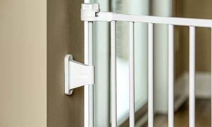 Regalo 76 Inch Super Wide Baby Gate Thumbnail