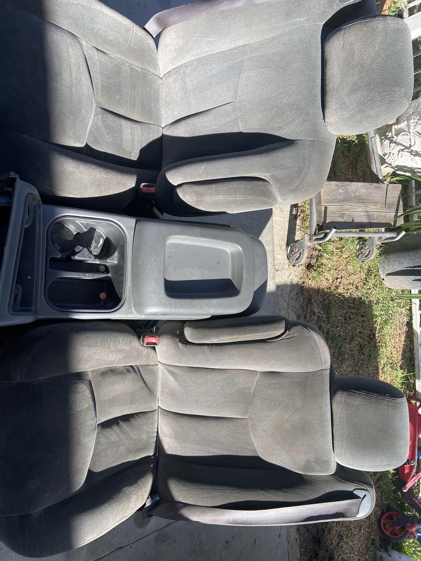 Silverado Seats + Center Console