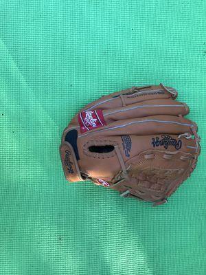 Rawlings baseball glove for Sale in Mount Juliet, TN