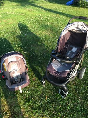 Striker car seat 2 bases for Sale in South Hill, VA