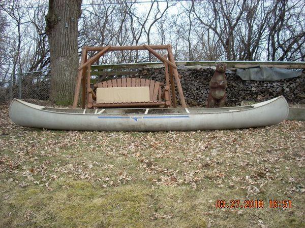17' Grumman Canoe for Sale in Long Grove, IL - OfferUp