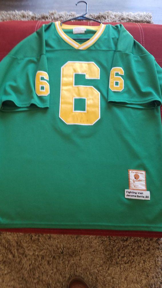 best service 6eda0 b5e50 Notre Dame Irish green Jerome Bettis jersey XL for Sale in Galt, CA -  OfferUp