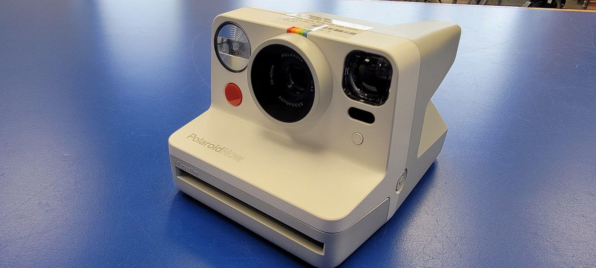 Polaroid Instant Camera 9027