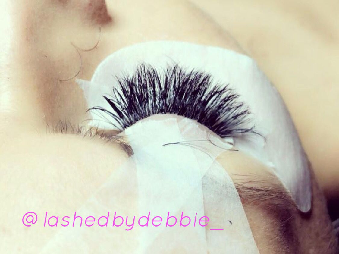 Individual Eye Lash Extensions / extensions de pestaña