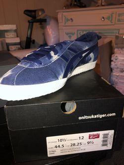 Different Brands shoes Thumbnail