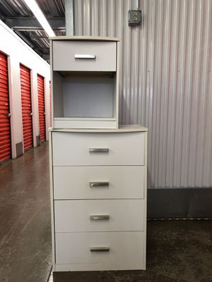 Dresser and night stand $110 for Sale in Gaithersburg, MD