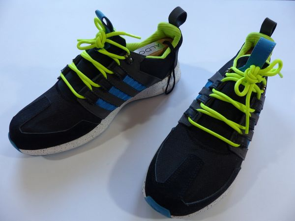 Adidas 9 5 Black Tennis Shoes With Blue Stripes Clothing In Raleigh Nc Offerup