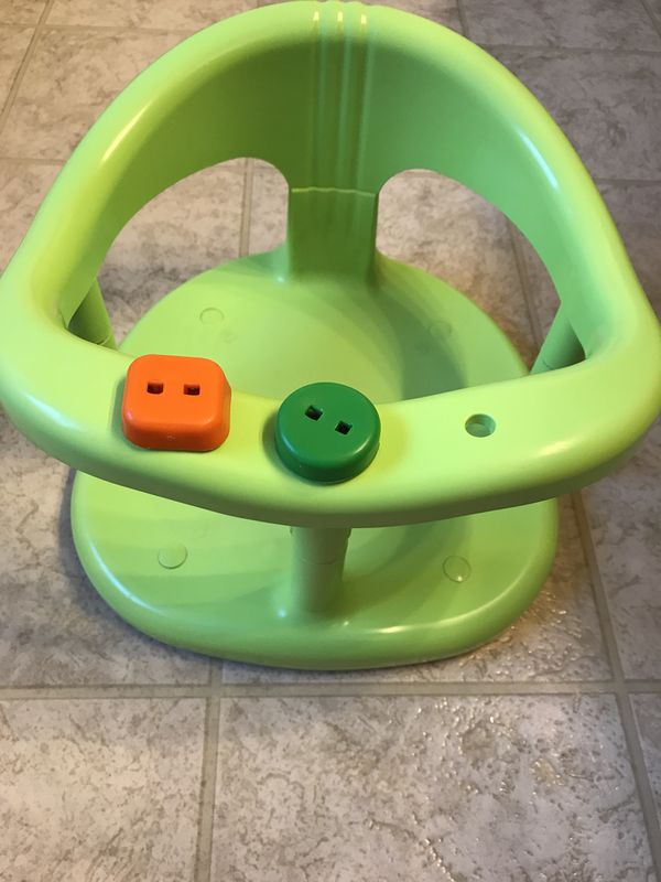 Keter baby bath seat for Sale in Virginia Beach, VA - OfferUp