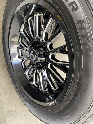 Photo 20' Inch Hostile Fury's Rims And Tires 95% Life Left TRADE FOR STOCKS 20'& 22'CHEVY/GMC