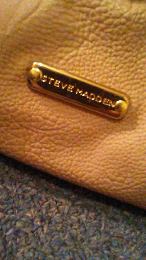 02b4ccbec23 Steve madden large tote bag for Sale in New Iberia