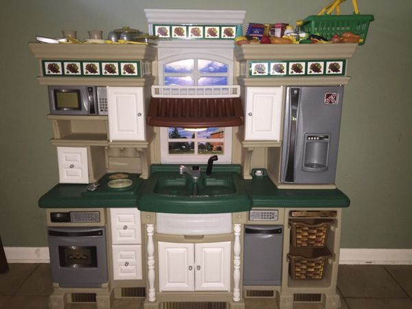 Step 2 Lifestyle Deluxe Play Kitchen With Accessories For Sale In Lisle Il Offerup