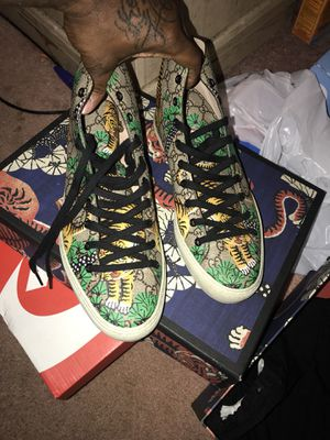 Gucci tiger print size 10 for Sale in Marlow Heights, MD