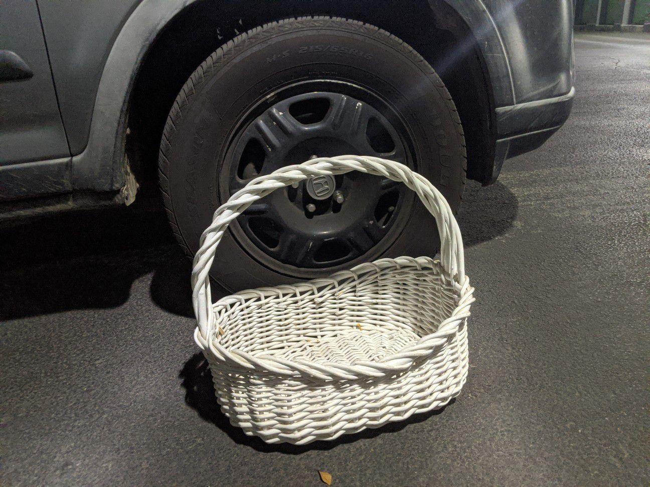 Big white basket Easter picnic gift crafts