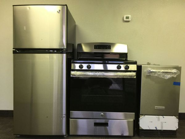 APPLIANCE WORLD OUTLET, rGe refrigerator and Stove (Appliances) in ...