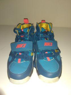 Nike air trainer hurache green abyss/blue lagoon. Size 5.5 kids  Thumbnail
