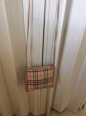 "Cross body Bag ! 7""/8"" for Sale in Hyattsville, MD"