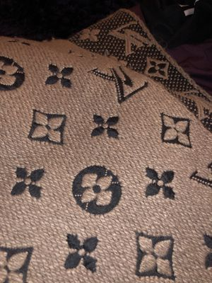 Authentic LV scarf for Sale in Arlington, VA