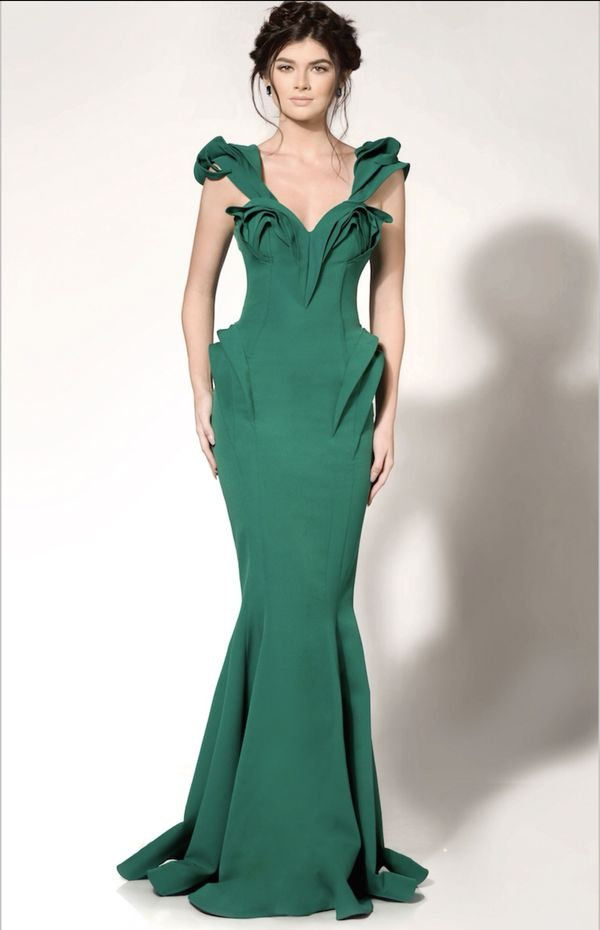 879410f1389 Fouad Sarkis couture dress (worn once) for Sale in Los Angeles