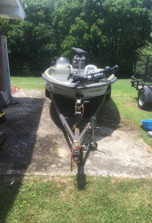 93 stratus bass boat for Sale in Nashville, TN