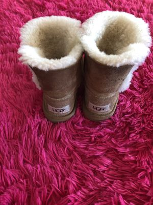 e2ba1292099 New and Used Toddler ugg boots for Sale in Manteca, CA - OfferUp