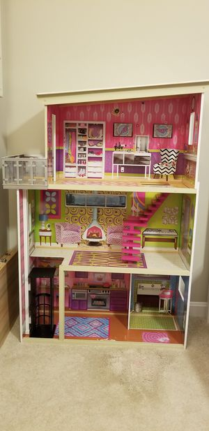 Kidcraft Doll House for Sale!! for Sale in Springfield, VA