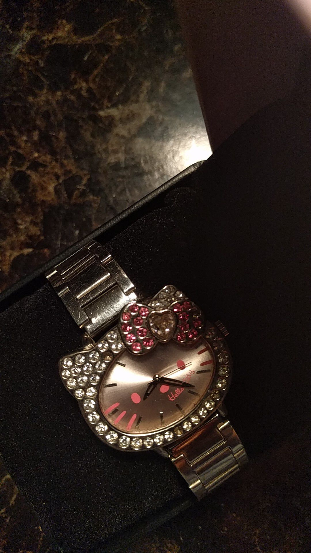 Hello kitty... Wrist watch ⌚❤