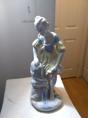 Vintage Lippelsdorf Porcelain Figurine Germany for Sale in Rockville, MD