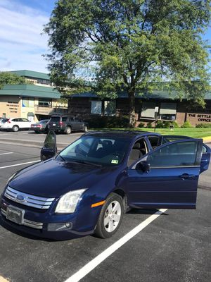 Ford Fusion 2006 Super Clean Low Mileage good on gas👍🏻 for Sale in Fairfax, VA