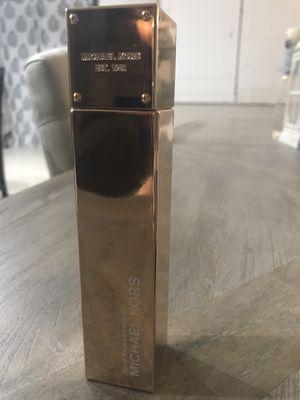 Designer perfume for Women (FULL BOTTLE) for Sale in Saint Cloud, FL