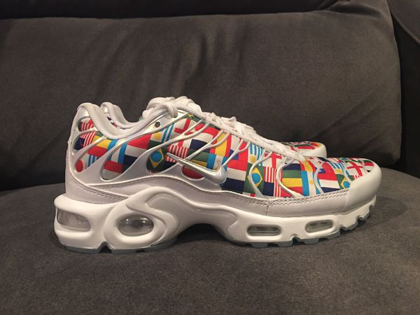 396a4297c71 Nike Air Max Plus NIC FIFA World Cup Flag Pack Size 4 Womens 5.5 for Sale  in Ontario