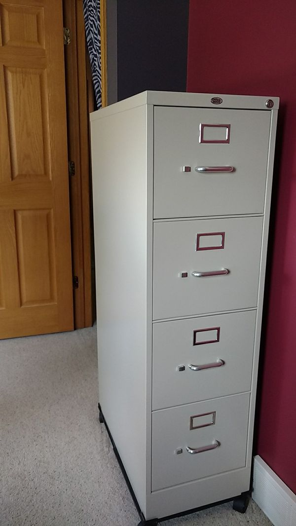 4 drawer metal file cabinet on wheels Business Equipment in Omaha