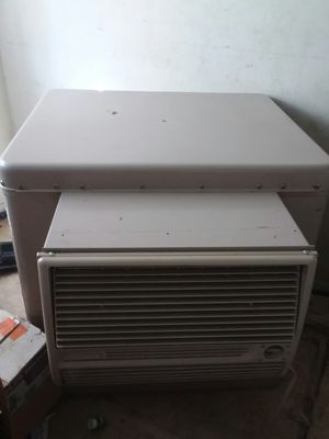 Swamp cooler 4500 cfm (negotiable) for Sale in Los Angeles, CA