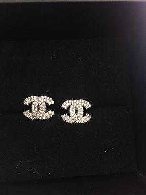 New chanel earrings diamond earrings for Sale in Orlando, FL