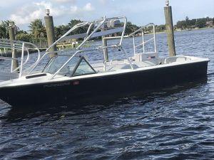 1986 Ski Nautique 2001 wakeboard boat for Sale in Orlando, FL