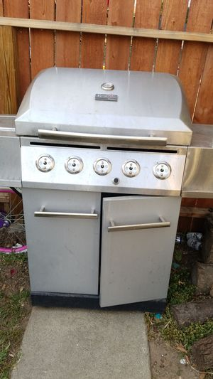 Bbq grill for Sale in Pasadena, CA
