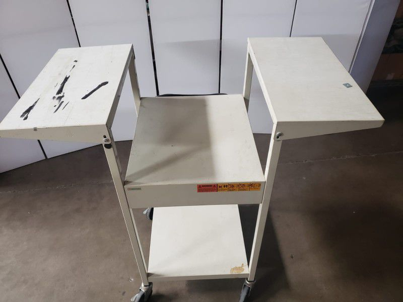 EIKI  Model 392 Overhead  Projector Made In China , Tested With Extended Table .